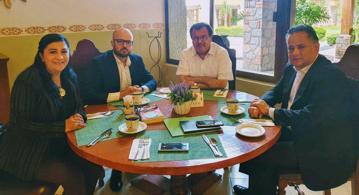 Agradezco a @GilbertoHRuiz, @beatrizroblesgs y @jorgeluismn nuestra reunión. Es importante trabajar de forma coordinada para impulsar las políticas anti corrupción y de desarrollo social del Presidente @lopezobrador_. https://t.co/ERIfhOdrth