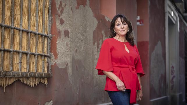 "ENTREVISTA | Reyes Ibáñez: ""No hemos observado mayor incidencia del coronavirus entre pacientes de cáncer de mama y ginecológicos"" por @asborroy. https://t.co/hHLBjErWEU https://t.co/qy2DoJdCXN"