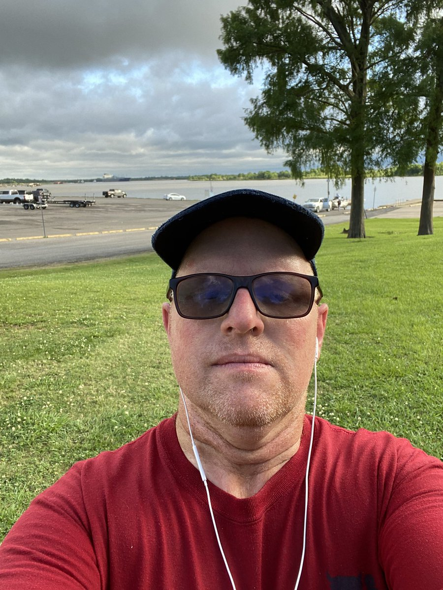 @JJWatt @AmIDrewDawson @runnersworld @JimmyJohnson @sonofbum @JohnCena  @HoustonMarathon @SeanUnfiltered  Last week's run sucked! This week, plan is 10-12 miles and to be more prepared mentally and physically. dedicating the run to George Floyd. Praying for humanity and peacepic.twitter.com/dgby2kNJsc