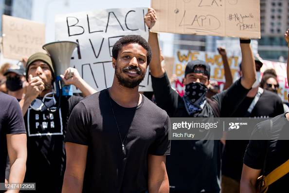 Michael B. Jordan participates in the Hollywood talent agencies march to support Black Lives Matter protests in Beverly Hills, California.  More #BlackLivesMatter  https://bit.ly/3gXFmgG #MichaelBJordanpic.twitter.com/ZqnRTxLY0f