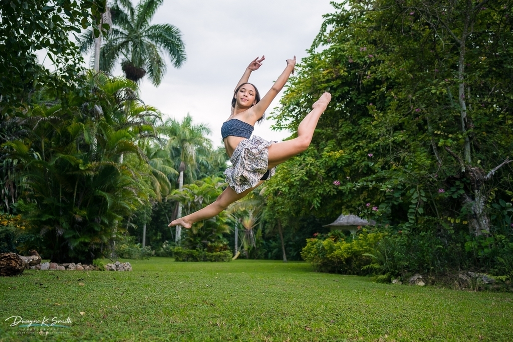 Release your self of the burdens keeping you grounded too long to reach your potential. -DKS #dwayneksmithphotography #dksp #portraitphotography #jamaicanportraitphotographer #jamaicanportraits #portraitsinnature #dancer #dancersofinstagram https://t.co/xdPEbNtZOy https://t.co/ofF2Bc7SdB
