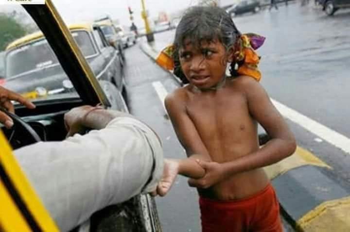 உதவுவதற்கு பணம் இருந்தும் மற்றவருக்கு உதவ மனம் இல்லாதவன் உண்மையான #பிச்சைக்காரன் ..!!