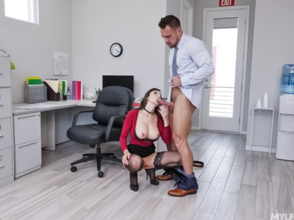 Rise and Shine! Its #MILFMonday again and Im here to show off another @GotMylf scene. This time, its with @thejohnnycastle and features me as the boss. Hit me up on iwantlexi.com for more sexy scenes :) Want the DVD? email lexilunaxoxo@gmail.com ($20)