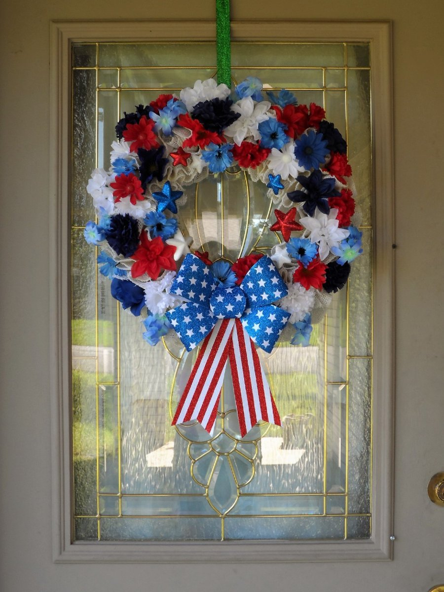 Pretty & Patriotic Floral Wreaths 🇺🇸😍 Only two left! Free shipping in the US https://t.co/Szsw6hJb2S @Etsy @EtsyShoppers @etsygroupboard  #handmade #MADEinUSA #patriotic #USA #America #American #craftychaching #epiconetsy #SmallBusiness #AmericanFlag #redwhiteandroyalblue https://t.co/HMV3Ce8rjF