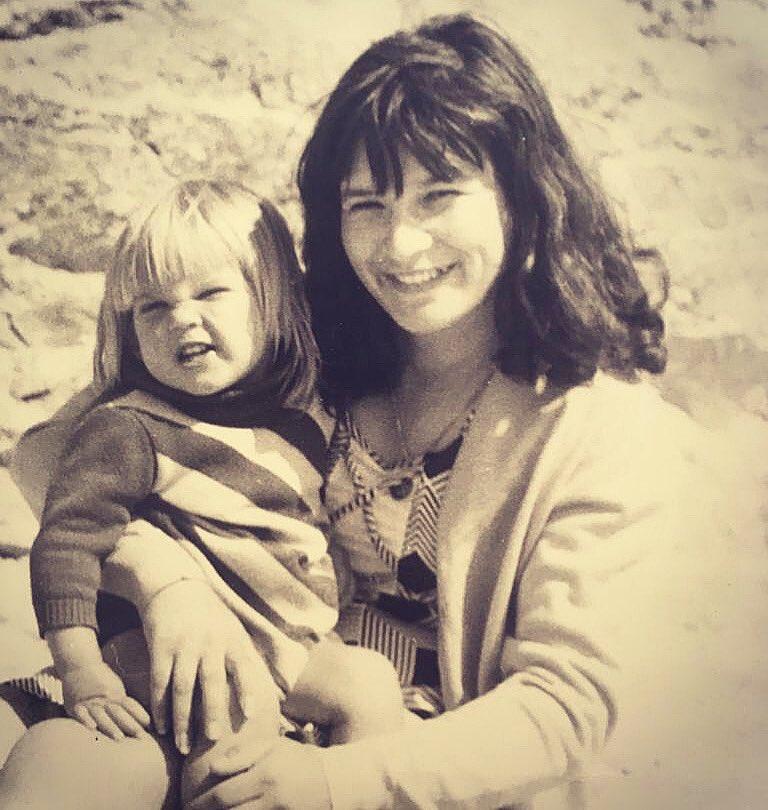 Bonne fête à toutes les mamans et bien sûr à la mienne! ❤️ #liliane #mothersday #bonnefetemaman #FeteDesMeres #Fetedesmeres2020 https://t.co/ZdqncPxkAZ