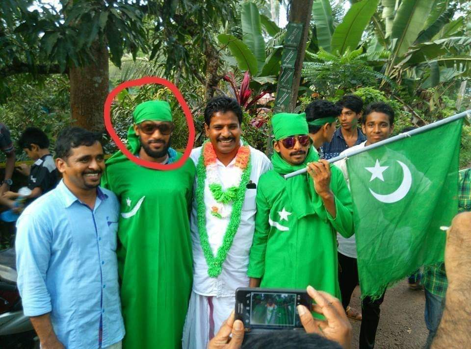 The one in red circle is Riyazudin frm Malappuram, who fed pregnant Kerala elephant pineapple stuffed w/ explosives.  Now you know why the sickulars in Kerala is hell bent in defending and down playing the incident. https://t.co/vNXHh41jkB