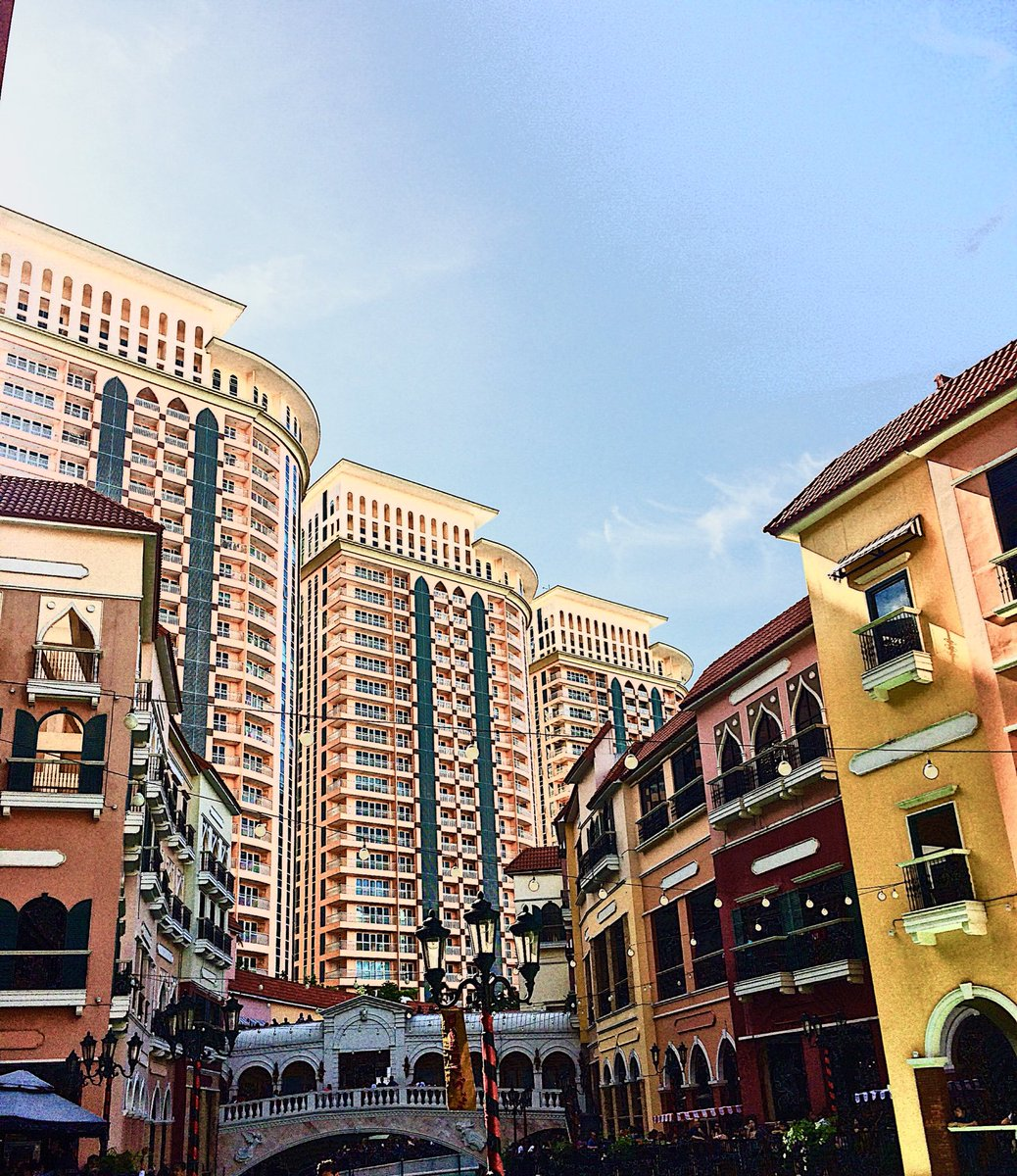 A Venice inspired place! #bgc #philippines #philippines #vsco #vscocam #vscoph #travel #venice #malls #imtheauditor #traveler #citylifepic.twitter.com/hGECQWQptx