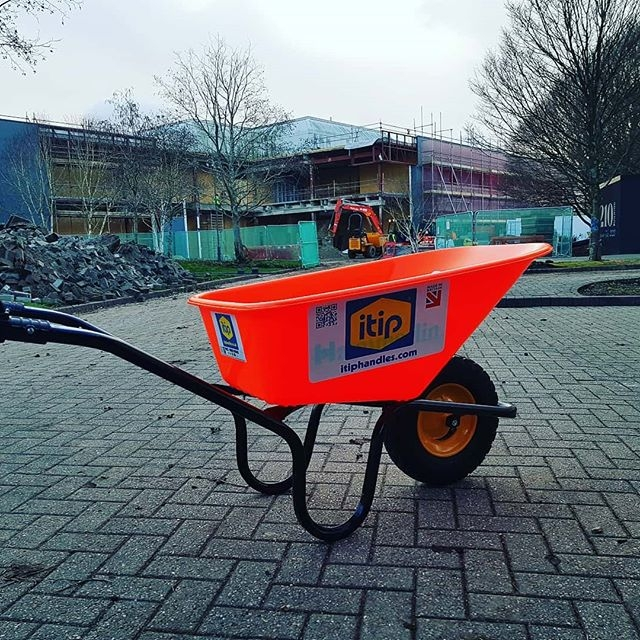 #Wheelbarrows with @itiphandles #peoplesafety #safetyalways #safetyfirst #safetyatwork #HSE #workplace @BritSafe #workright @H_S_E @TheSHEShow1 @HSMmagazinepic.twitter.com/EeOwulRcA7