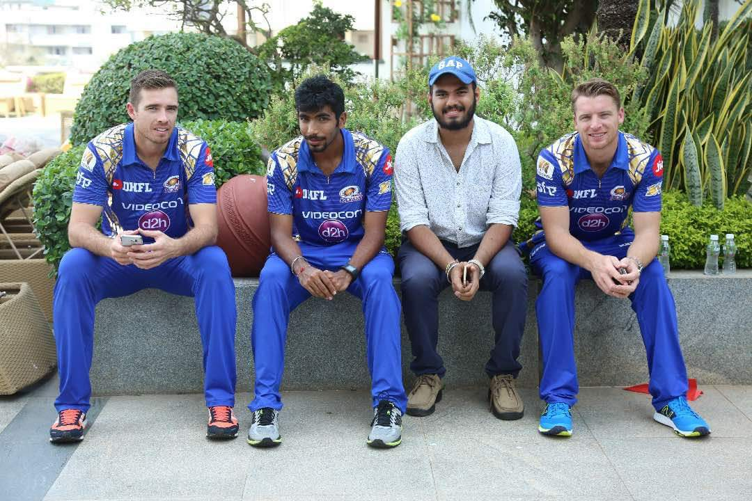 Casually chilling with Southee, Bumrah and Buttler during an IPL shoot in 2017 😋😘😍 https://t.co/mLYoRVt1is