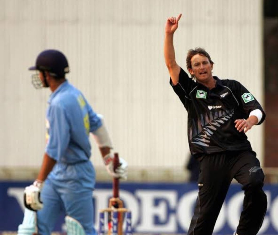 Bulawayo, 2005   Shane Bond's figures against India in the 2nd ODI - 9-3-19-6   The batsmen didn't have any answers to his deliveries  Wishing the speedster, a very happy birthday!   #HappyBirthdayShaneBond https://t.co/WnAArS3Ikb