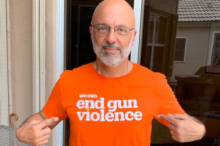 Together we can #endgunviolence. Thank you @RepTedDeutch for your continued commitment to make change-- we need more leaders like you!   #OrangeRibbonsForGunSafety #WearOrange https://t.co/ZH3kIHern2