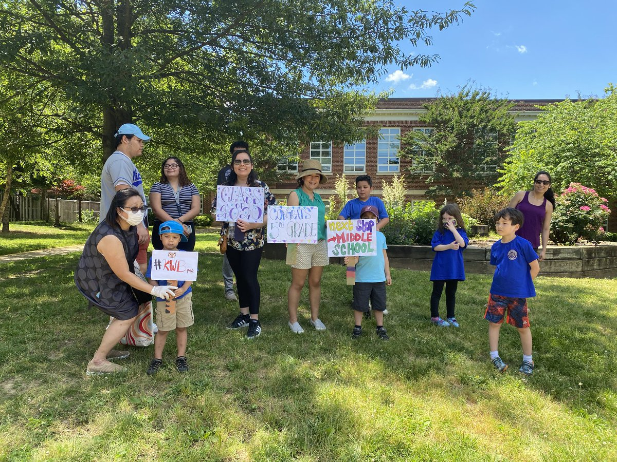 """Loved watching the 5th grade """"clap out"""" parade! So much fun to see the kids! 💚<a target='_blank' href='http://search.twitter.com/search?q=kwbpride'><a target='_blank' href='https://twitter.com/hashtag/kwbpride?src=hash'>#kwbpride</a></a>💙 thanks <a target='_blank' href='http://twitter.com/BPTAE'>@BPTAE</a> for organizing this!! <a target='_blank' href='http://twitter.com/BarrettAPS'>@BarrettAPS</a> <a target='_blank' href='https://t.co/q789PDtedD'>https://t.co/q789PDtedD</a>"""