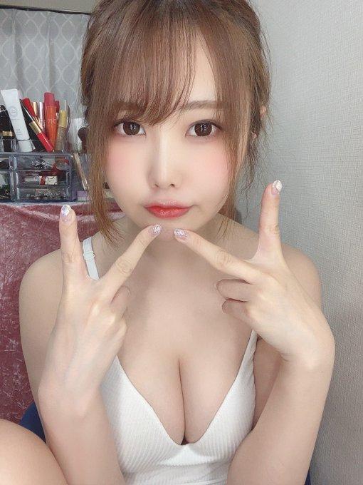 グラビアアイドル麻倉ひな子のTwitter自撮りエロ画像33