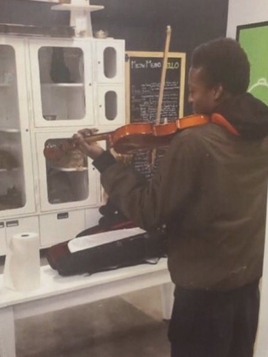 ❤️ :'( he played violin for the kittens who were waiting to be adopted so they didn't get lonely. Bless his sweet beautiful soul. Please sign. change.org/p/adams-county…