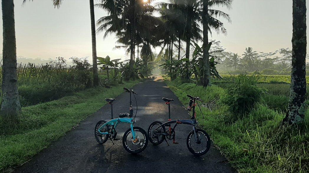 Gowes pagi Salam noris 2.0 & 2.1 #bersepeda #gowes #sepeda #gowesnusantara #bike #sepedaindonesia #sepedasantai #gowesindonesia #sepedalipat #foldingbike #sepedanusantara #biketowork #sepedamtb #roadbike  #roadbikeindonesia #foldingbikeindonesia #sepedalipatindonesia #funbikepic.twitter.com/tWt5SOXFs2