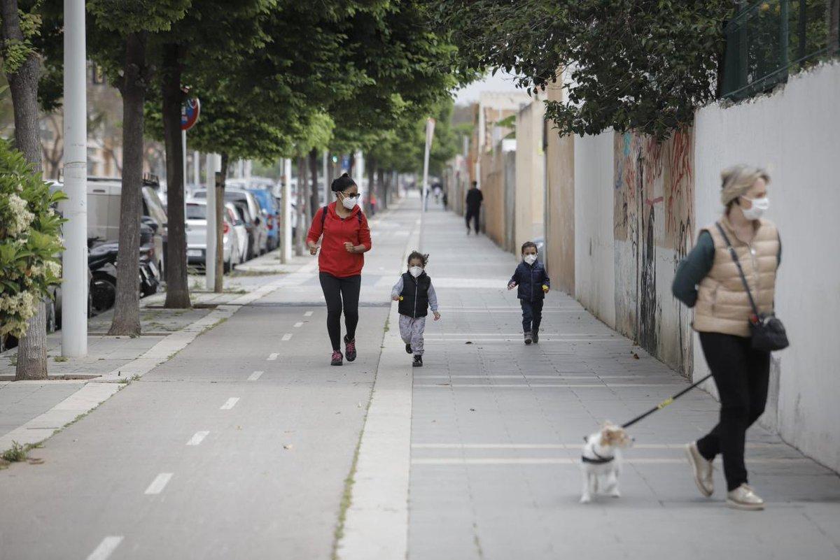 Actualidad/ Desde este jueves nuevos horarios de paseos para los peques en #Alcorcón. Te lo contamos 👇👨💻👩💻🤳  https://t.co/eExp39rrMe https://t.co/FYgnZ23NDw