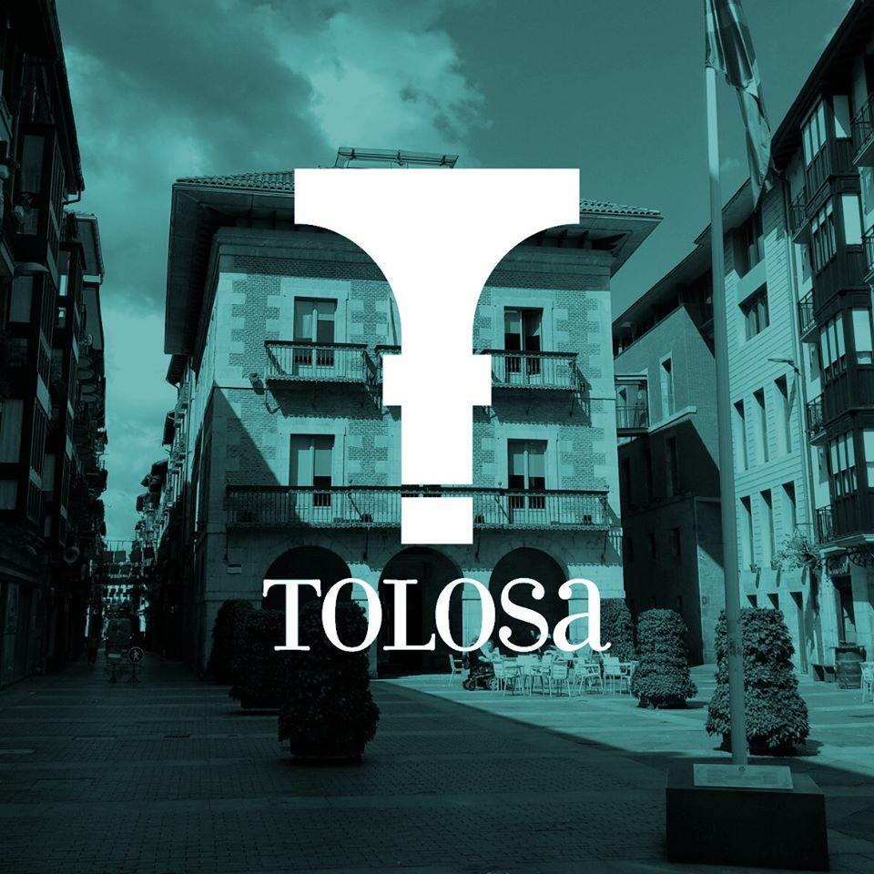 Hoy a las 12:00h el Ayuntamiento de Tolosa guardará un minuto de silencio en recuerdo de todas las personas fallecidas a causa de la pandemia COVID-19. Se invita a la ciudadanía a participar en el acto.   #tolosa #isilunea #oroimena #acto #silecio #recuerdo https://t.co/cnpmS3lFz3