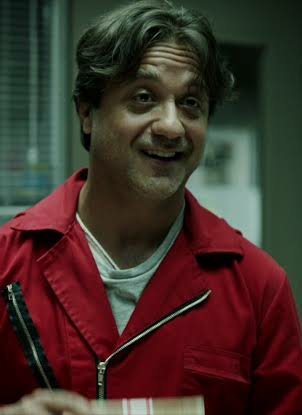 """Which one is the most Irritating and Annoying TV Character of all Time?   Frame 1: Arturo """"Money Heist"""" Frame 2: Wendy """"Blood and Water"""" Frame 3: Joffrey """"Game of Thrones"""" Frame 4: Tariq """"Power"""" <br>http://pic.twitter.com/PE6iZ2LOJH"""