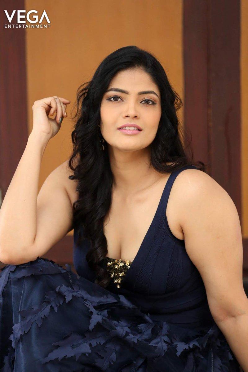 Vega Entertainment Wishes a Very Happy Birthday to Actress #KalpikaGanesh  ##Kalpika #Ganesh #Birthday #May27 #Vega #Entertainment #VegaEntertainmentpic.twitter.com/79t5sw9NZW