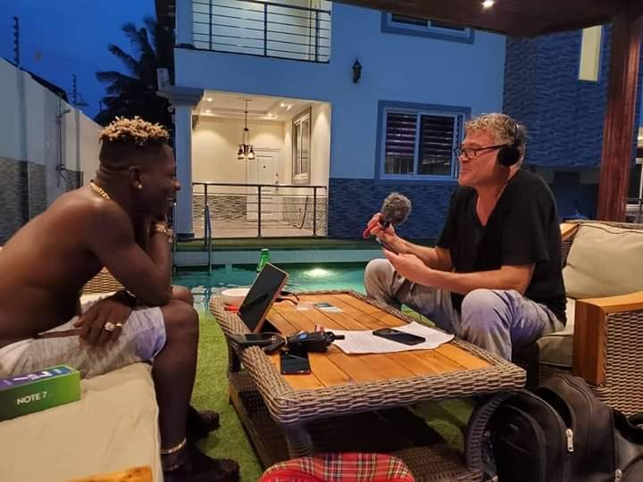 If is @shattawalegh di333 is not news. Eiiii Ghanaians you can never fight air o remember Shatta wale is your air. Wait for the mind blowing Reggae compilation Album #GRAMMYs #ShattaWaleOnTimesSquare #TropicalHouseCruisesToJamaica<br>http://pic.twitter.com/q8RCrSGLDW