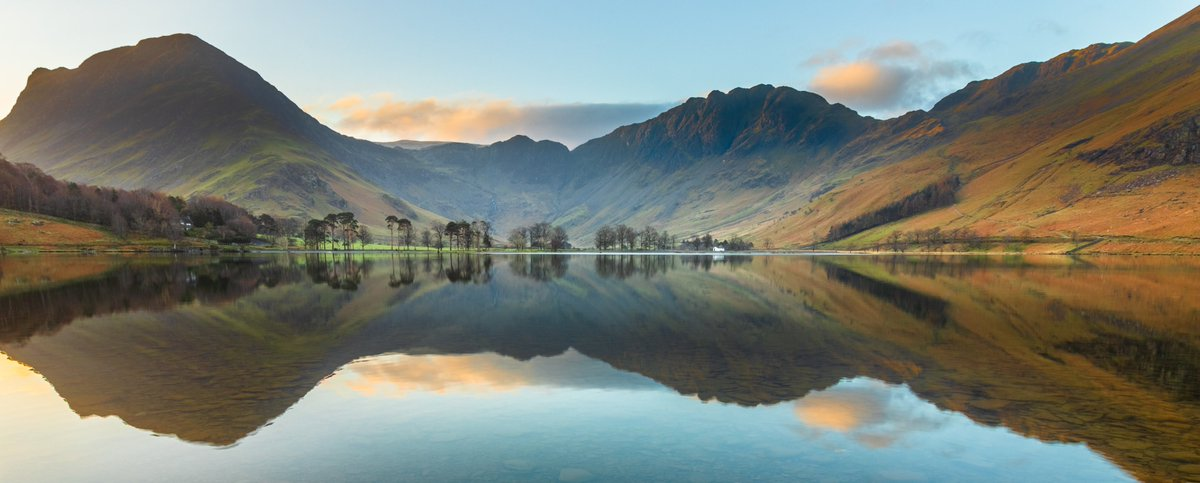 Just after sunrise   #photography, #photo, #art, #landscape #buttermere #photooftheday #photo #photographer #nature #picoftheday #naturephotography #canon #beauty #LakeDistrict #cumbria #landscapelovers #outdoorphotography pic.twitter.com/kibe4JdlaS