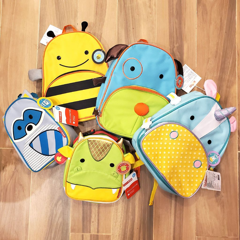 Schools are slowly starting back up, so make sure to stop by Bookazine to restock all your back-to-school needs!   #backtoschool #backpack #lunchbag #stationery #school #bookazinehk #hkig #hongkong #schoollife #studentlife #education #schooldays #backtoschool2020 #studentpic.twitter.com/WImgLC0Yso