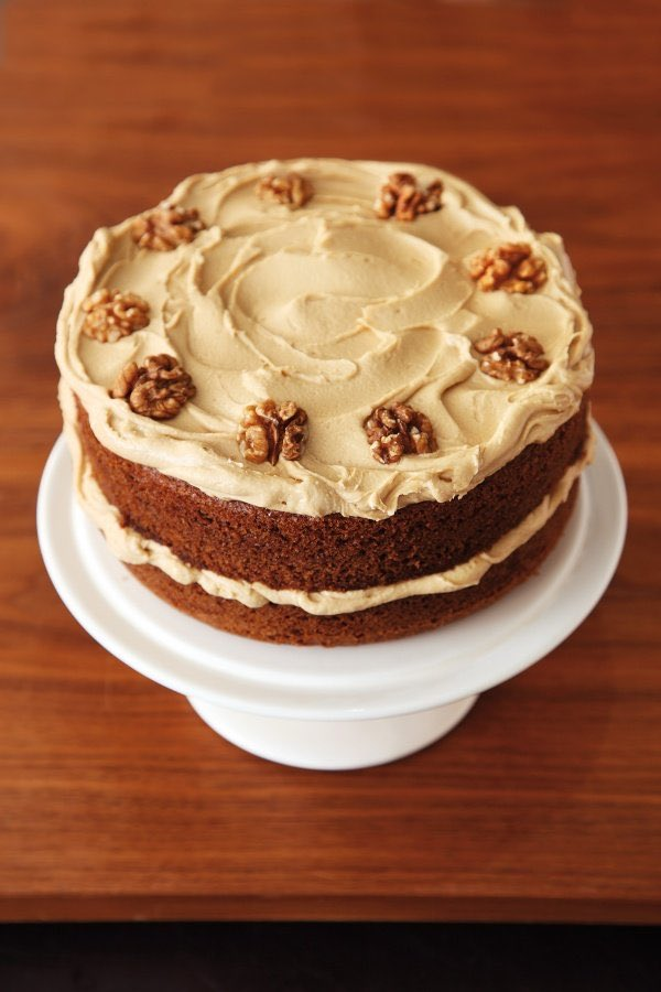 An old-fashioned favourite for #RecipeOfTheDay: Coffee and Walnut Layer Cake nigella.com/recipes/coffee…