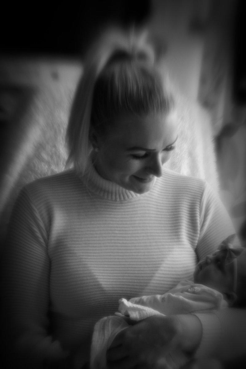 My daughter and Granddaughter. I am so happy  to welcome Lola into the family. This is a digital photo taken with a @lensbaby spark. #canon #lensbaby #bnwphotography #bnwportrait #blackandwhitephotography #blackandwhitephoto #portrait.pic.twitter.com/g2iXxGJr3O