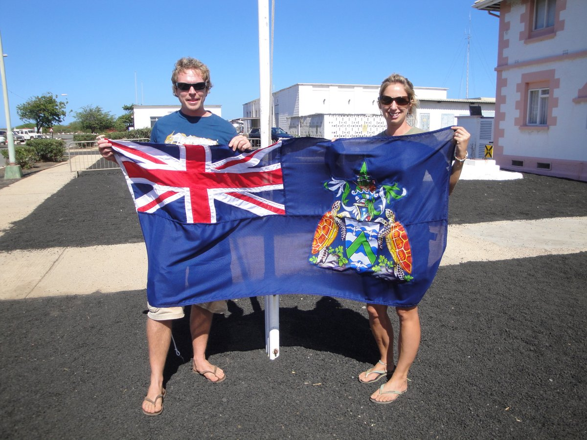 Photos for events I missed last week #ascensionday Ascension Island (flag in photo ) named after the day of its recorded discovery. #WorldTurtleDay an olive ridley in Costa Rica and Ascension green hatchlings. And beautiful Costa Rica rainforest/ beach for #BiodiversityDay pic.twitter.com/SdqHJrGiRD