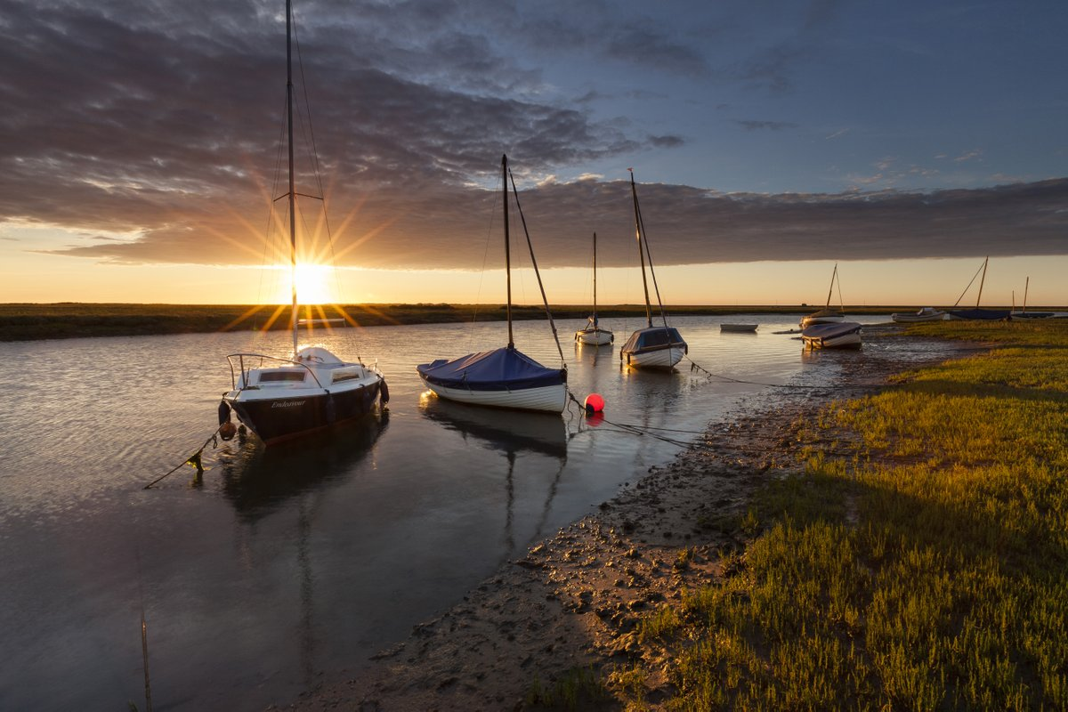Thursday morning moment of calm... Blakeney Harbour.  #WednesdayMotivation <br>http://pic.twitter.com/lSmntUzFOr