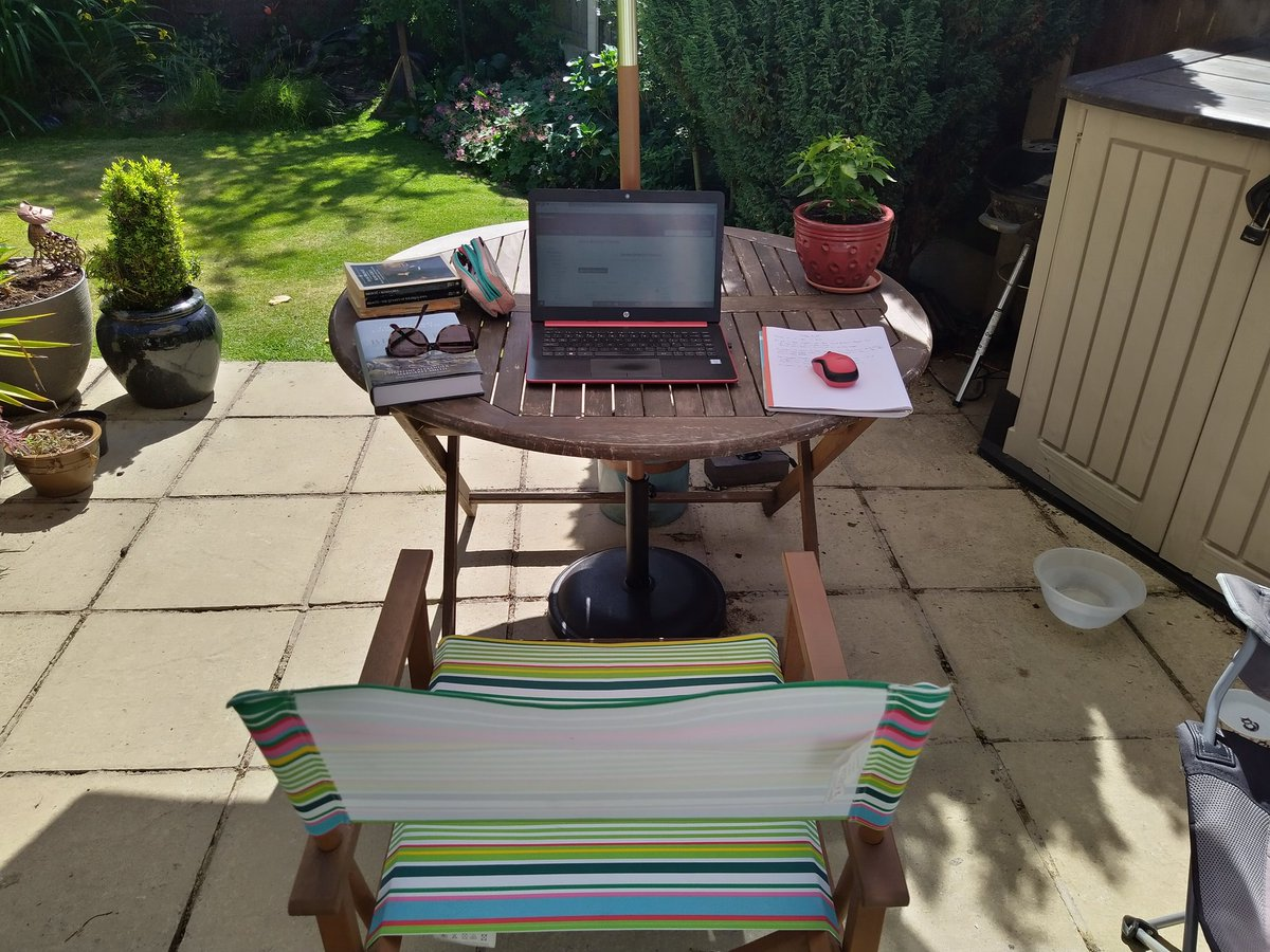 All set up in the garden for a few hours of #Bronte study. pic.twitter.com/Zv4kq261El