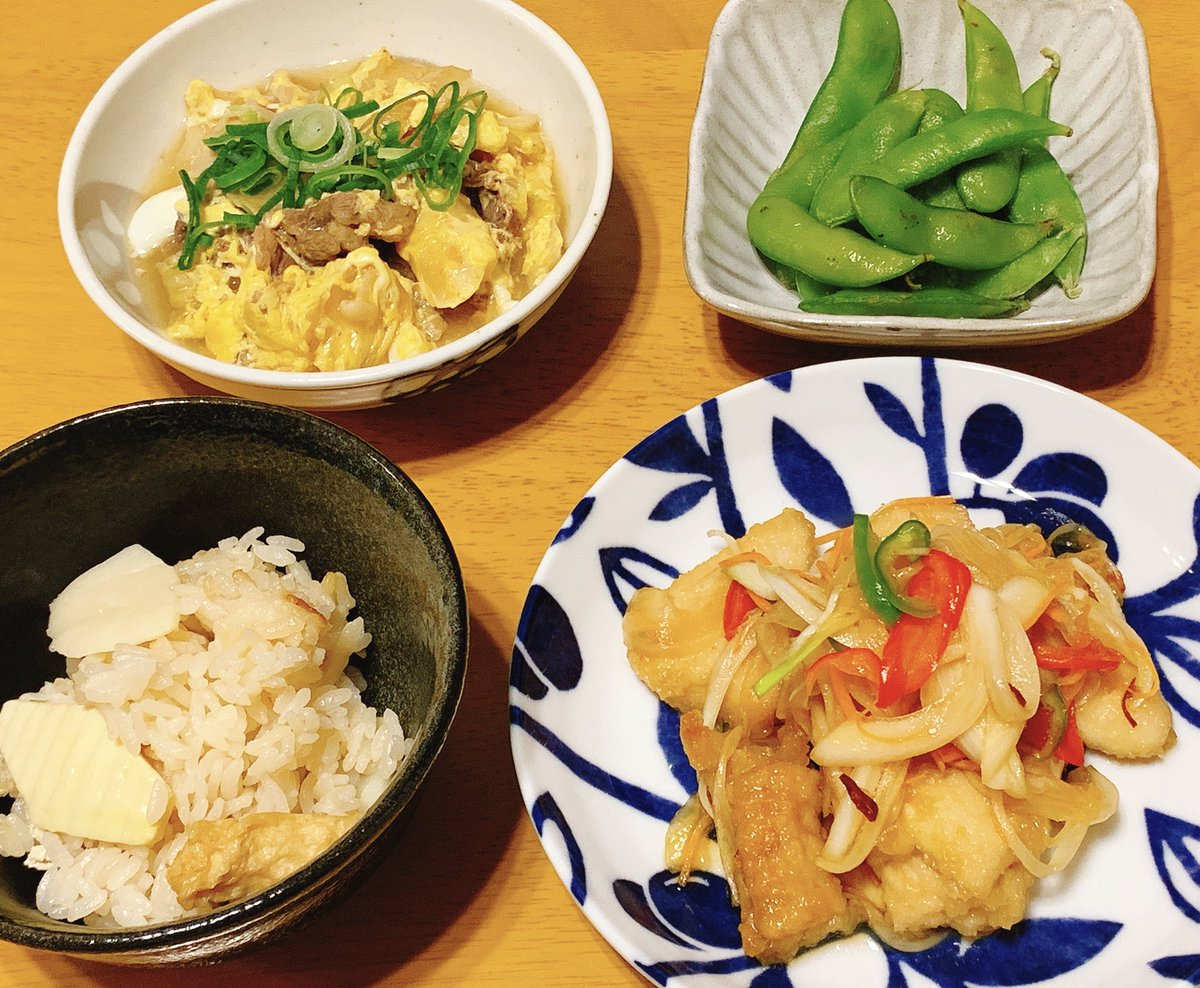 今夜は 鶏胸肉の南蛮漬け、白菜と牛肉の卵とじ、筍ご飯、枝豆。 今日も休肝日。  #おうちごはん https://t.co/UO2sUJGEb7