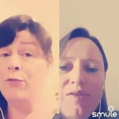 A little bit of singing from Louise and me. Just the start of a bigger collaboration from @ipswichgilbertandsullivan #lalaland #cityofstars #singers #singingvideo #choir #musicals #SuffolkSinger #wekeepsinging #smule #smulekaraoke #smulevideo #smule🎤… https://t.co/zDOswCumrf https://t.co/EyRFcwNC3a