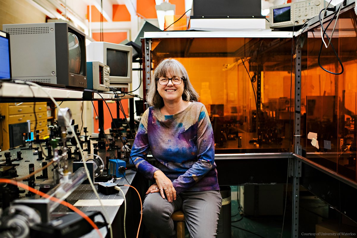 """We need to celebrate women physicists because they're out there… I'm honoured to be one of those women.""  Happy 61st birthday to Donna Strickland. In 2018, she became the third woman to receive the #NobelPrize in Physics.  Learn more: https://t.co/8BjoKMIv6t https://t.co/pgQIpIsMU7"
