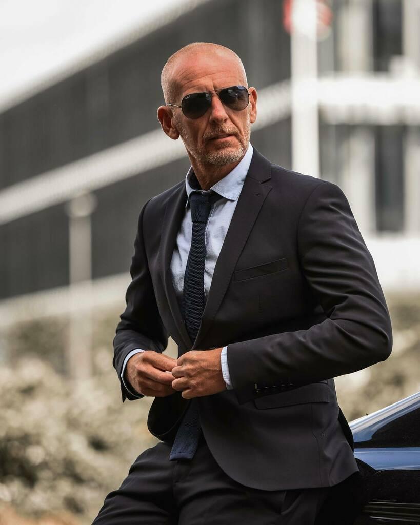 Transporter loading.... ____________________________________ Didn't get the James Bond Role  ______________________________________ #darrenkbranch #menswearstyle #suitstyle #mensfashion #shirtandtie . . . @hptonhoneypic.twitter.com/Ov1x9KBxqd