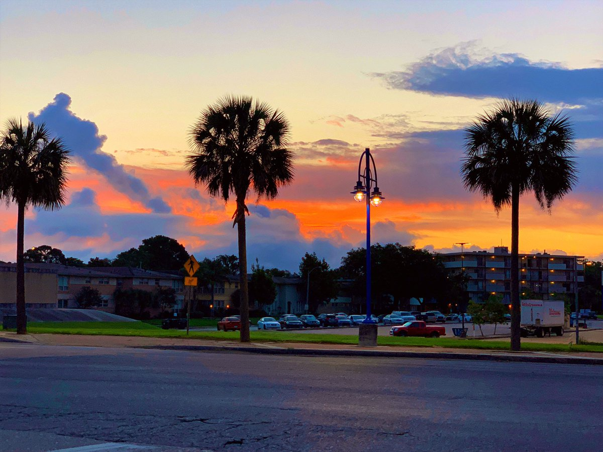 Beautiful morning in West End!  #lawx #neworleans pic.twitter.com/D7AQOg6GsY