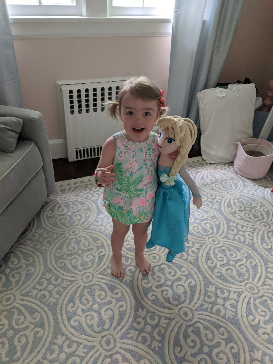 At 2.5yo, she's already pushing to wear shorter dresses than I'm comfortable with her wearing pic.twitter.com/xAxzOT2pIx