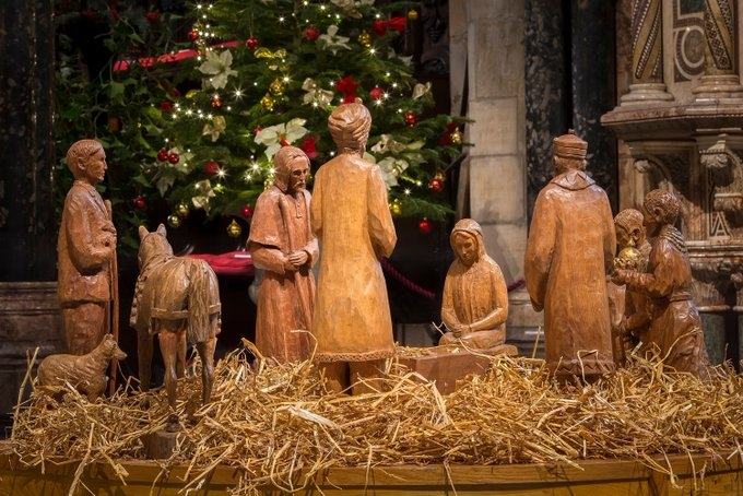 These beautiful carved wooden Nativity figures @durhamcathedral reflect County Durham's mining heritage. Theres a miner with a lamp, a pit pony, & the Christ child rests in a choppie box (trough for feeding pit ponies). #Durham #AnimalsInChurches #PeopleAtWorkInChurches