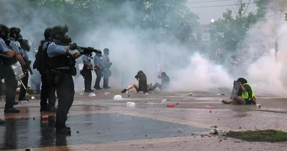 «Δεν μπορώ να αναπνεύσω»: Η αστυνομική βία σε μια φράση