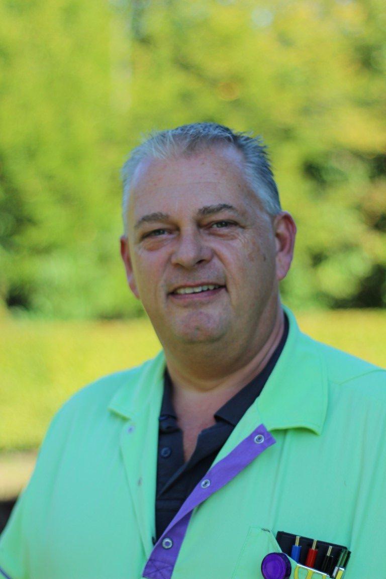 Marco Huige is wijkverpleegkundige bij Viattence Thuiszorg Heerde. Samen met zijn collega's probeert hij de thuiszorg zo goed mogelijk in te vullen, ondanks het coronavirus. In dit verhaal vertelt hij meer over de strijd tegen de onzichtbare vijand.  https://t.co/R4JJ5ktSCw https://t.co/0VkRKRPBIA