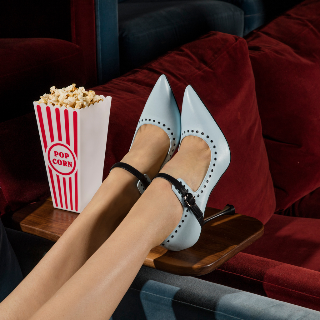 Recommendations at the ready. Find our favourite films via link in bio #ManoloBlahnik #ManoloBlahnikSmiles https://t.co/lvl4WOqSXO