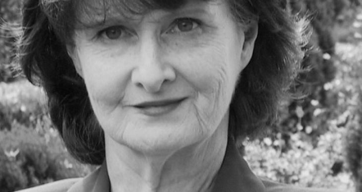 This evening's tribute to Eavan Boland includes Mary Robinson, @ChelseaClinton, Paula Meehan, Marie Howe, @Deardarkness, Alvy Carragher, Solmaz Sharif, @DanMulhall, @musicbyloah, and many more.  Live on Zoom/YouTube/Facebook at 6pm GMT/1pm EST/10am PST