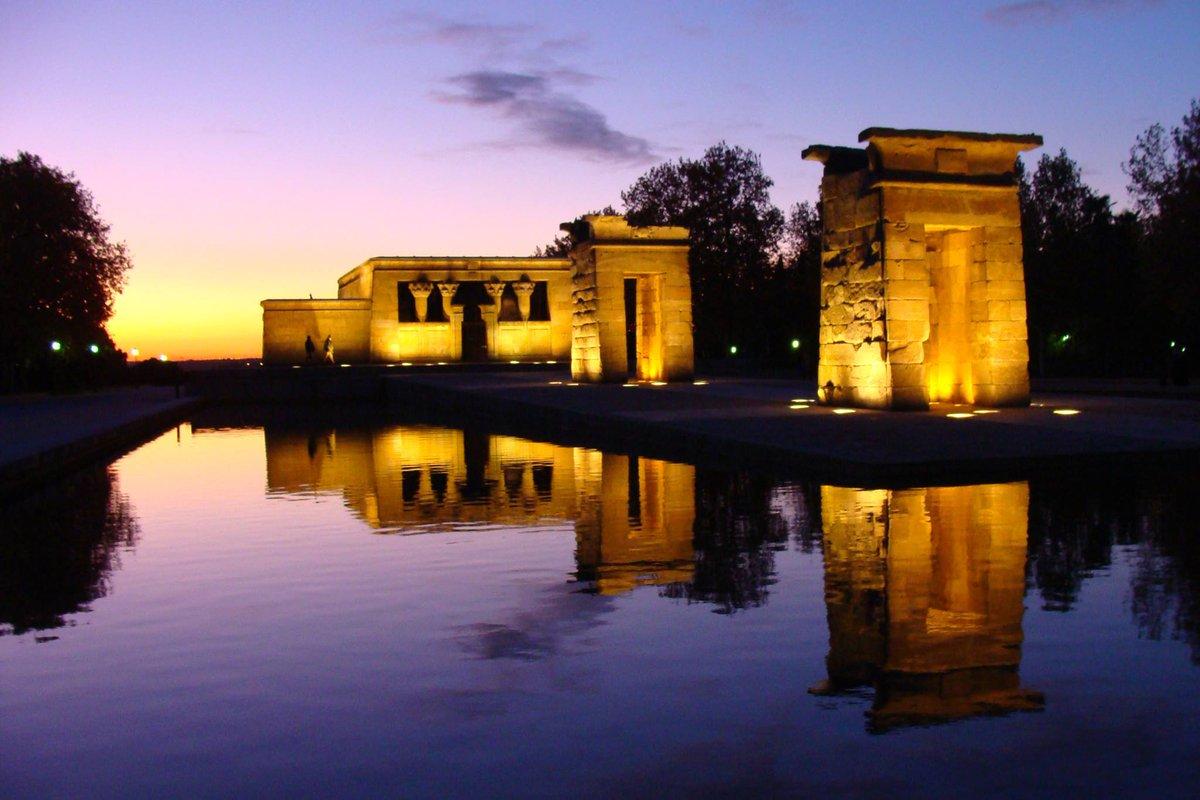 El maravilloso Templo de #Debod, hace que #Madrid sea más bonita aún si cabe. ¿No os parece?  #viajar #viajes #viajerosporelmundo #viajera #viaje #viajaresvivir #blogger #viajando #lugaresconencanto #mundo #españa #españa #spain #spainpic.twitter.com/SjpTcnfsmO