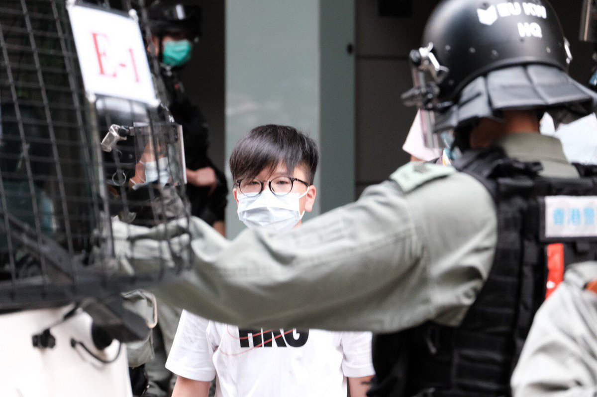 2108  do you know him/her/them? Arrested in MK. Contact family and lawyers ASAP #527HK #HongKongProtests #NationalSecurity #SOSHK #BreakOfDawn #PoliceBrutality #SaveTheChildren pic.twitter.com/vhORsd8BZP
