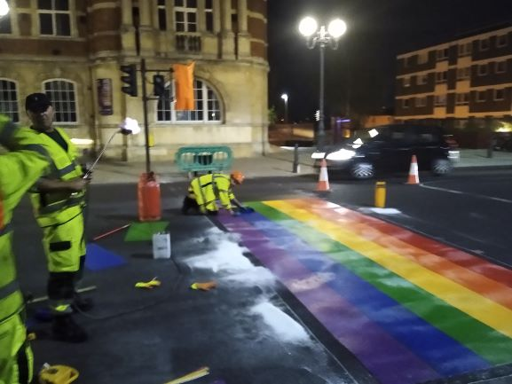 Wandsworth gets its first Rainbow Crossing wandsworth.gov.uk/news/may-2020/…