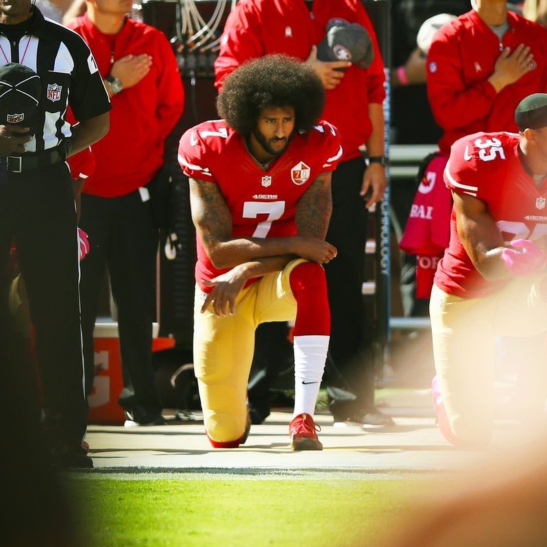 "Sooooooo, if u can tweet your disdain 4 #KneelWithKap the POC on the left, calling him ""sumbish"", but not tweet about #GeorgeFloyd the POC on the right nor disdain 4 his ""sumbish"" killer? U might be a racist... That reminds me, u kno who said anything? #icantbreathe"
