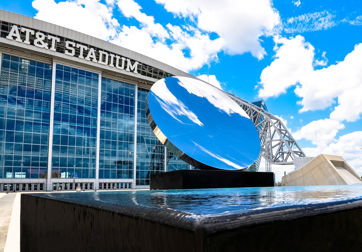 On this day in @DallasCowboys history, #ATTStadium opened in 2009! 🤩✨ https://t.co/vbEOanEq8p