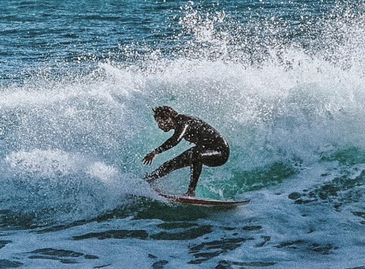 Spray on spray somewhere in #italia  #somewhereinitaly #selfspray #stretchitout  #mediterranean #mediterraneansea #surfingthemediterranean #swell #italiansurf #mediterraneo #mare #medsurf #surfing #surfingitaly #surfitaly #surffilm #surfsup #surfshots #surfshot #italiansurfpic.twitter.com/LKmFu0HW0X