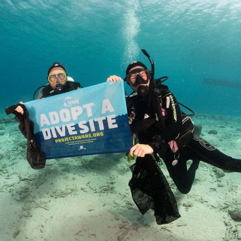 We are looking forward to seeing your underwater adventures and many of the #AdoptaDiveSite diving sites cleaned after the #COVID19 lockdown.  @DiveFriendsBon are back to work and have dived to clean their adopted site 🙌🌊  #DiveAgainstDebris #EveryDiveaSurveyDive #100AWARE https://t.co/u57CFPnhqm