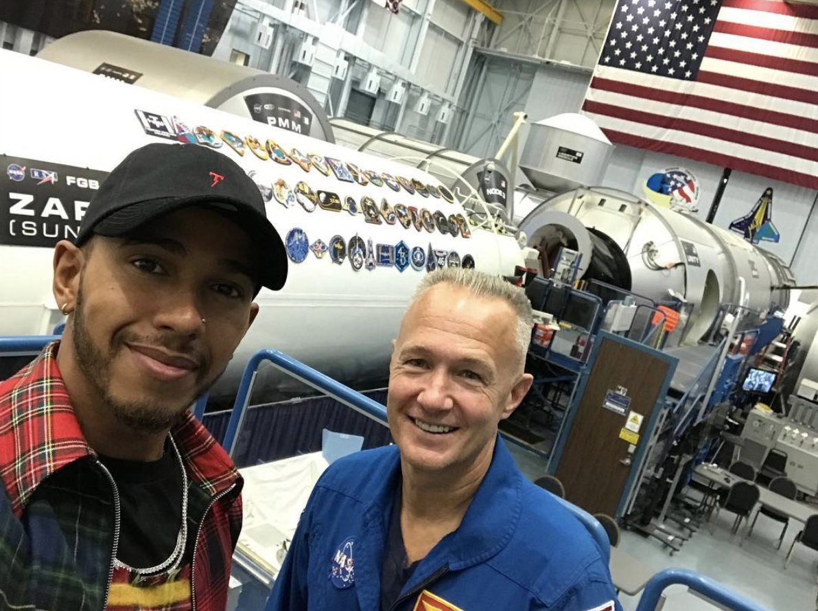 My friend @Astro_Doug is heading to the International Space Station today!  Who else is tuning in to watch #LaunchAmerica ? https://t.co/sz5A7FSngI
